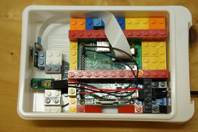 ラズベリーパイ:弁当箱とLEGOで作る監視カメラ
