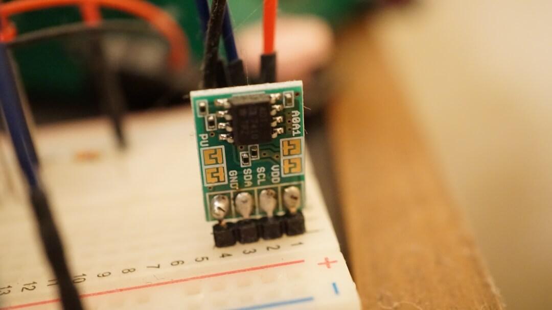 ラズパイ:PythonでADT7410温度センサーの値を取得する