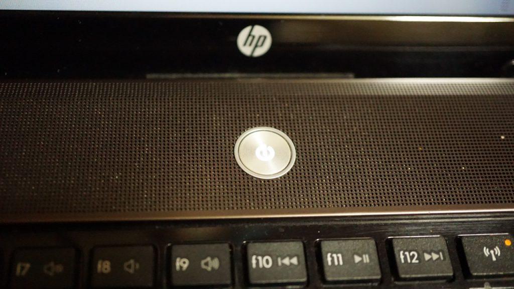 HPノートPCディスプレイが見えなくなった時の対処法