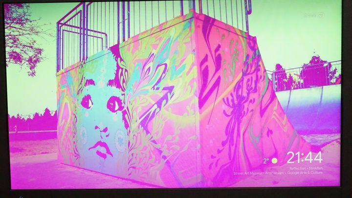 ChromecastをEIZOのEV2116Wに接続すると画面が紫色になる
